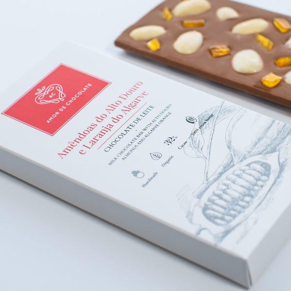 chocolate artesanal com laranja e amêndoas