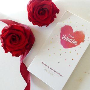 gift tablete chocolate e rosas vermelhas